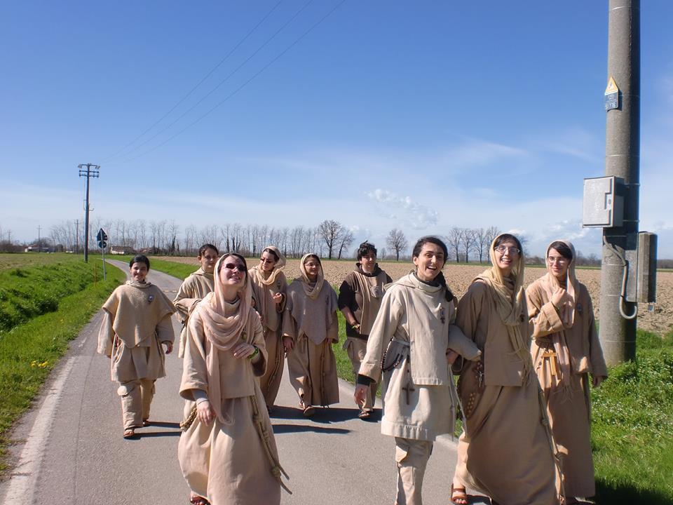 Sisters in Cremona.jpg